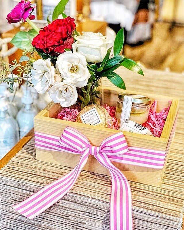 Teaming up with our friends @harperandgrey on these cute Valentine's Day boxes. Call or stop into the store to place your orders! ⠀⠀⠀⠀⠀⠀⠀⠀⠀ #valentinesday #mcalester #oklahoma #galentines #red #cupid #hearts #giftbox #flowers #bloomhouse #valentine #love