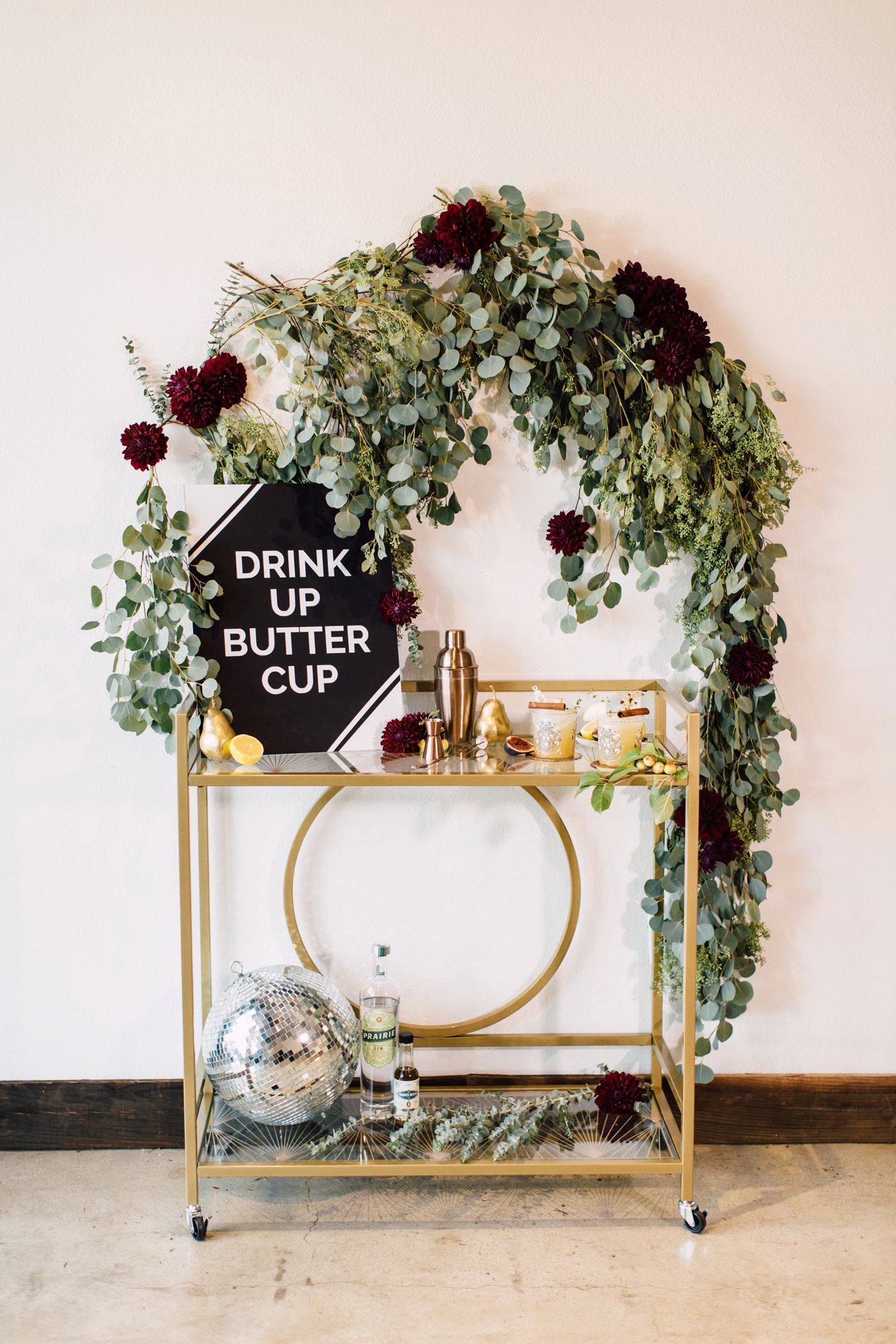 Fall Bar Cart Inspiration with Cricut | www.plumandoakphoto.com