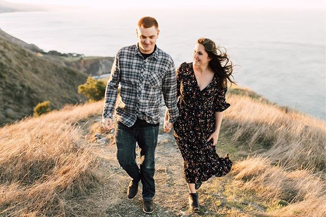 So HIIII 👋🏻 I haven't posted in 14 million years because I've been doing thangs like shooting my favorite @kelseyraedesigns' engagement session in Big Sur last week! To say I'm excited for her wedding next year would be a huge understatement. We've done a ton of weddings together, traveled to Iceland and back, sang A LOT of BSB at the top of our lungs, etc. and now I get to photograph her marry her love! March can't come soon enough. Oh and in case I do this whole disappearing act again, happy holidays everyone! ☺️