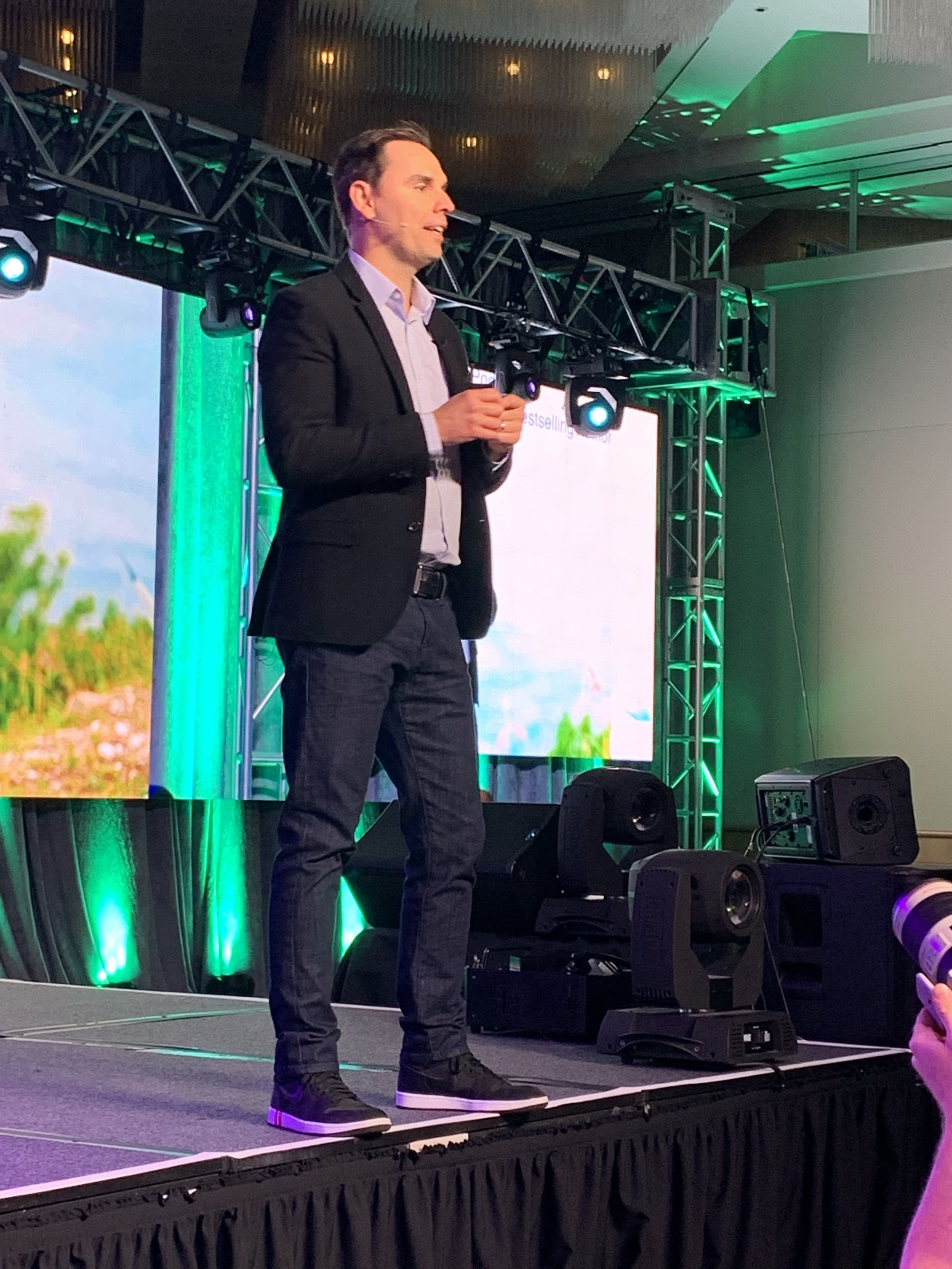 Brendon Burchard - How in the World Are Influencers Making $10M a Year?