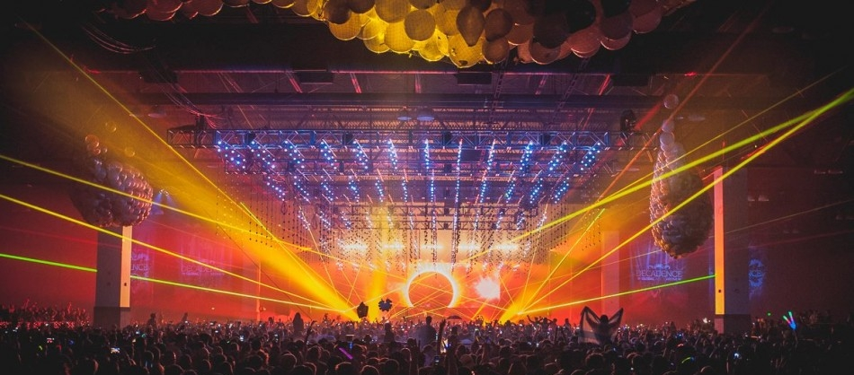 decadence-nye-2016-orange-lights-950x468.jpg