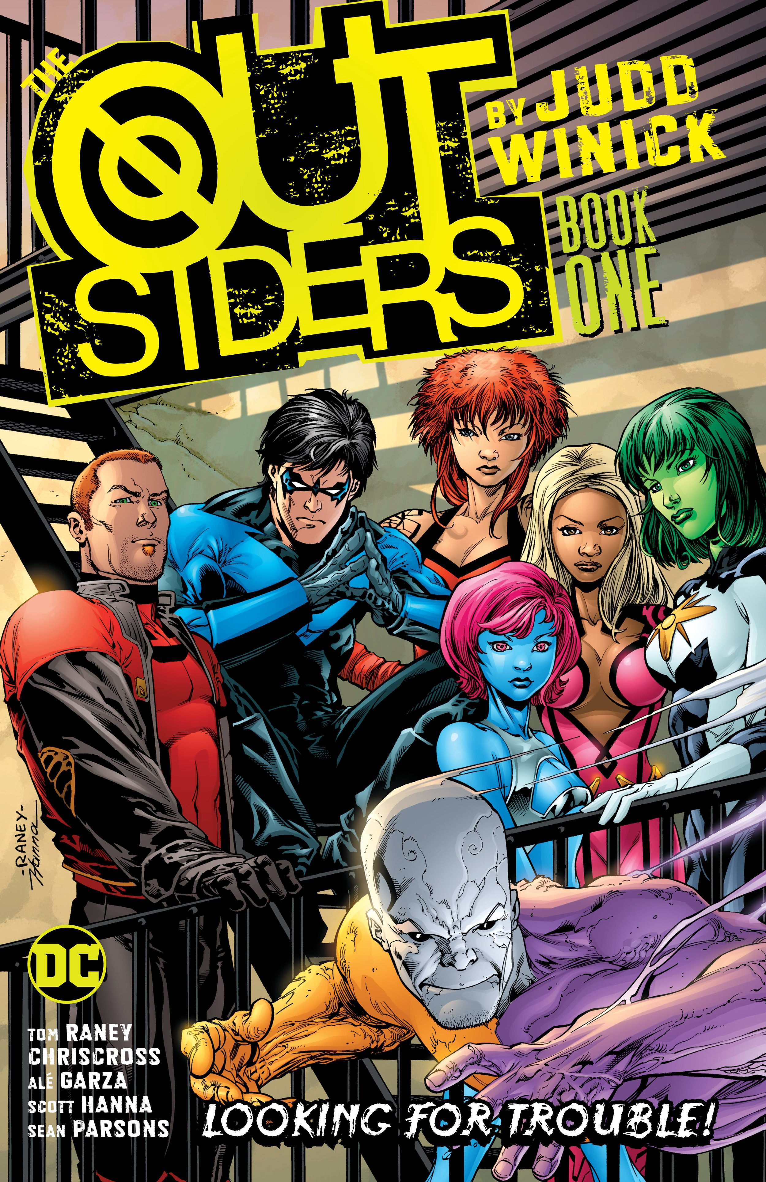 OUTSIDERS BY JUDD WINICK TP 1.jpg