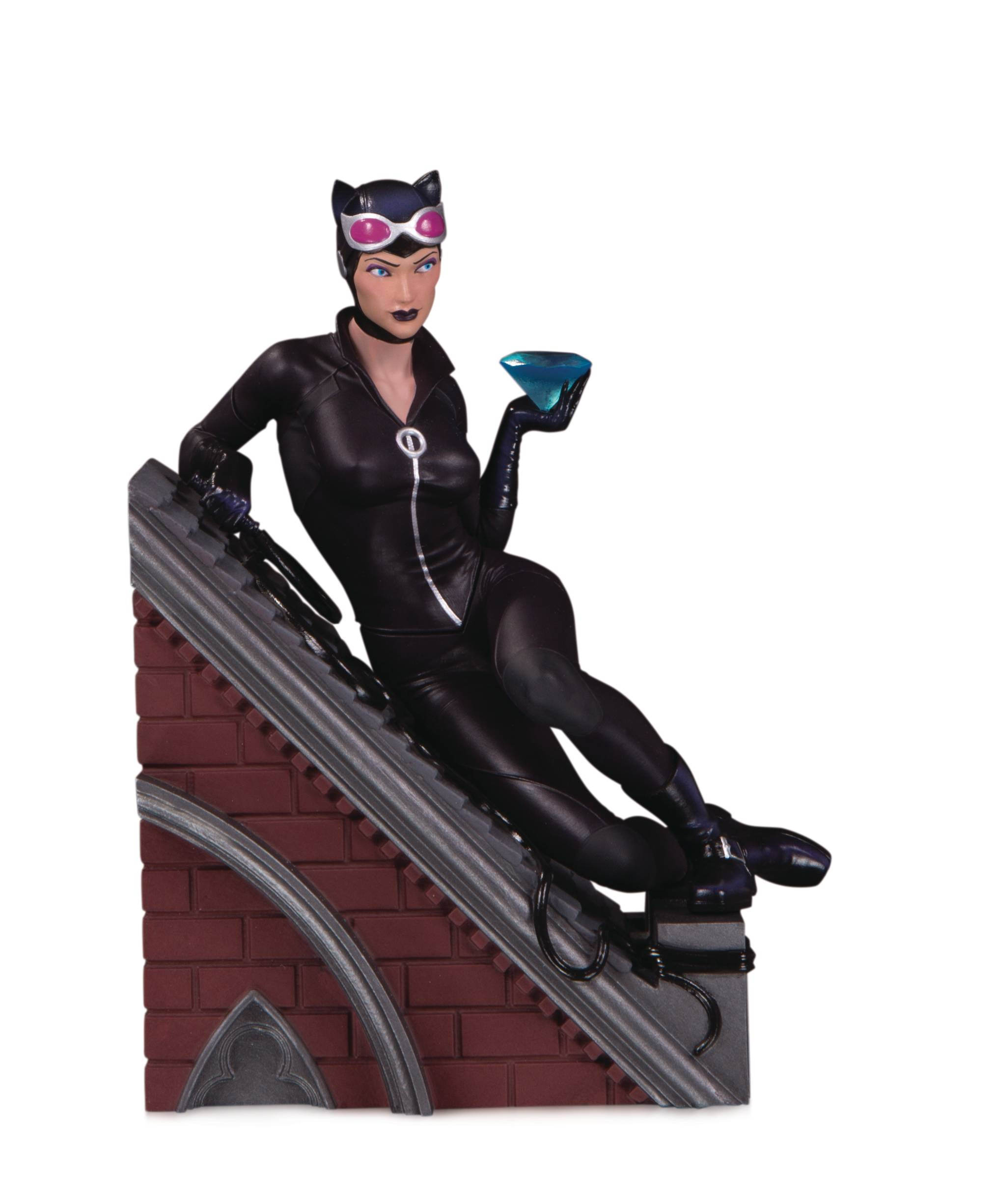 VILLAINS MULTI PART STATUE CATWOMAN.jpg