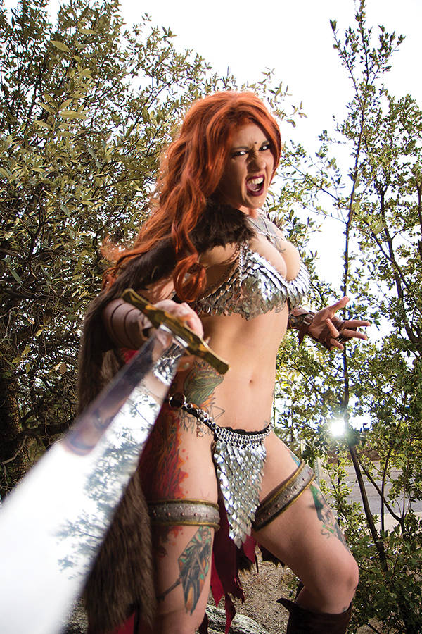 RED SONJA #9 15 COPY COSPLAY VIRGIN FOC INCV.jpg