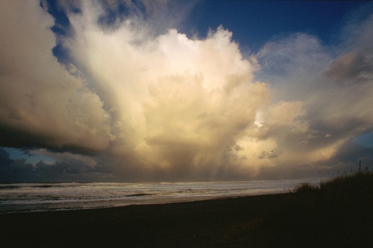 EOT_COAST_Dramatic-storm-oregon-coast.jpg