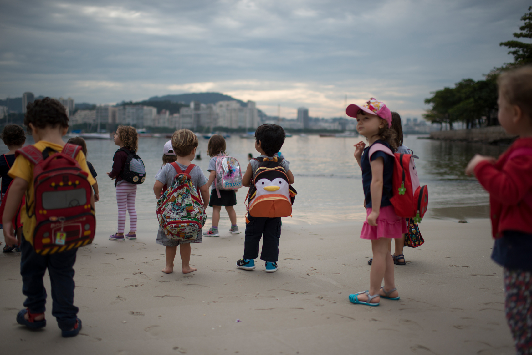 BG500 was originally founded to work on many levels of environmental education. Ed gives classes to children of all ages, developing their sensibility to marine live. Many times, play activities awaken curiosity and encourage children to understand and get closer to the environmental cause, since early age.