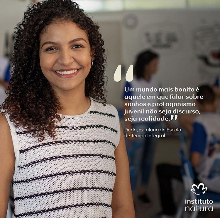 Eduarda Soares, 20 anos. Estudante de Design e ex-aluna da Escola Viva São Pedro, em Vitória/ES.