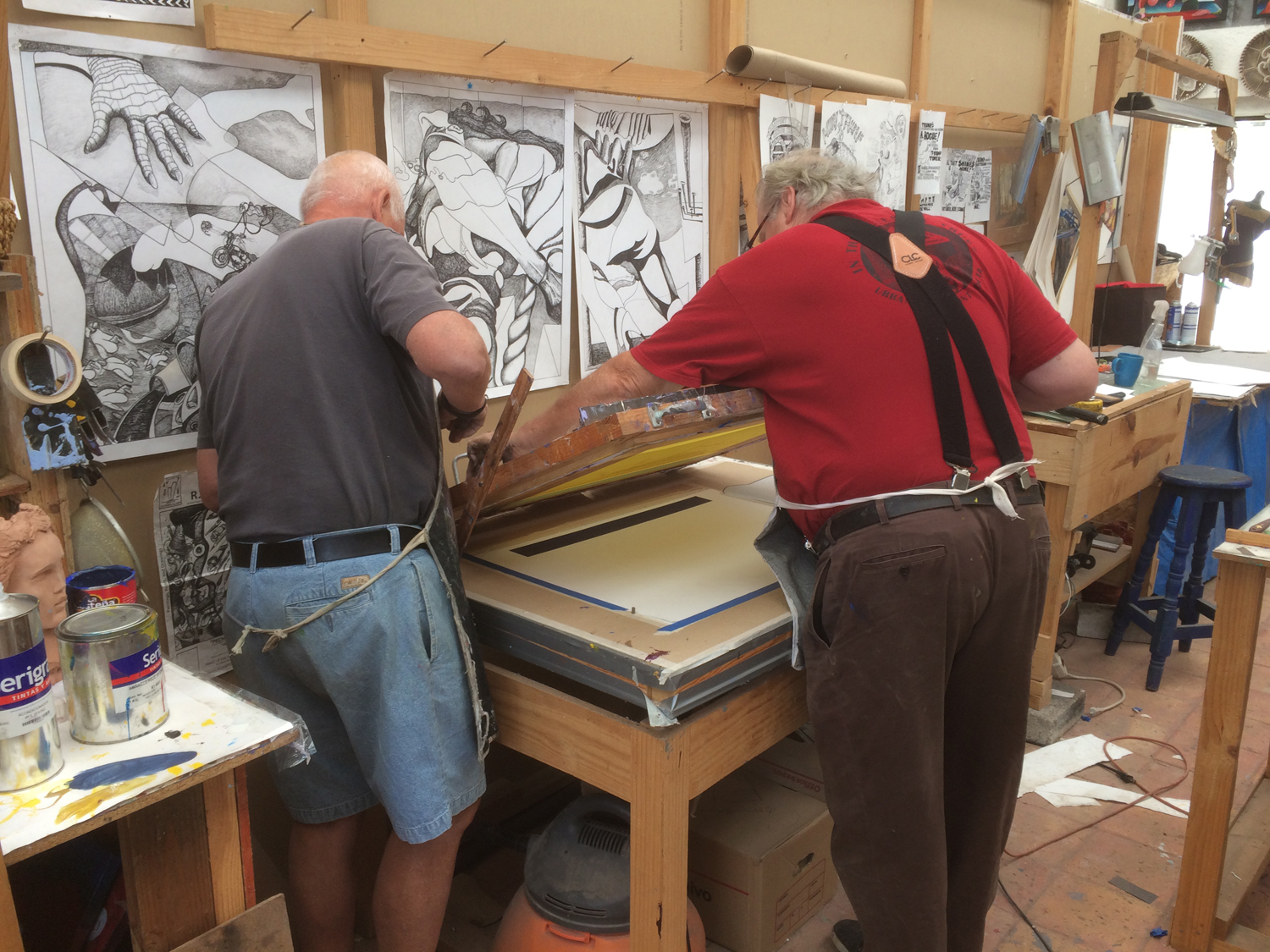 Bob, left, works with Richard Webb of the Black Cat Printmaking Studio, San Miguel de Allende. Richard has a gorgeous screen printing studio. as well as a small performance stage for impromtu performances when his blues band buddies come by.