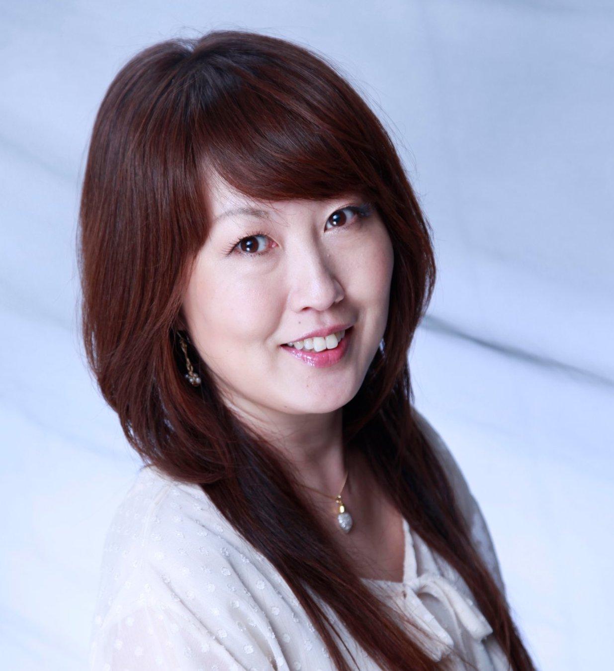 Eiko Kanamoto - easemethod@gmail.com