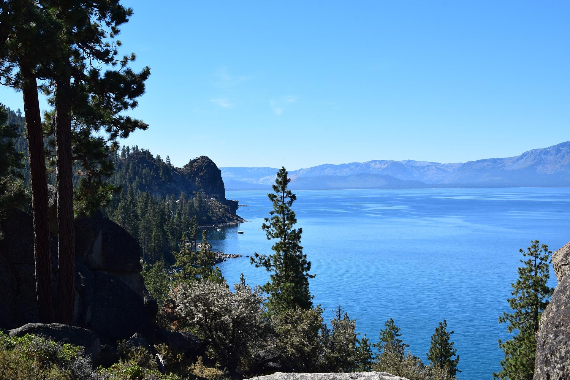 lake-tahoe-3660684_1920.jpg