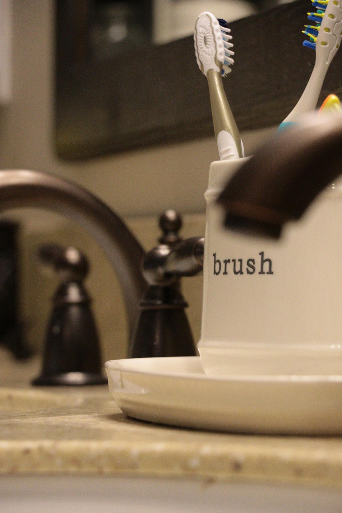 Brush_5830.jpg