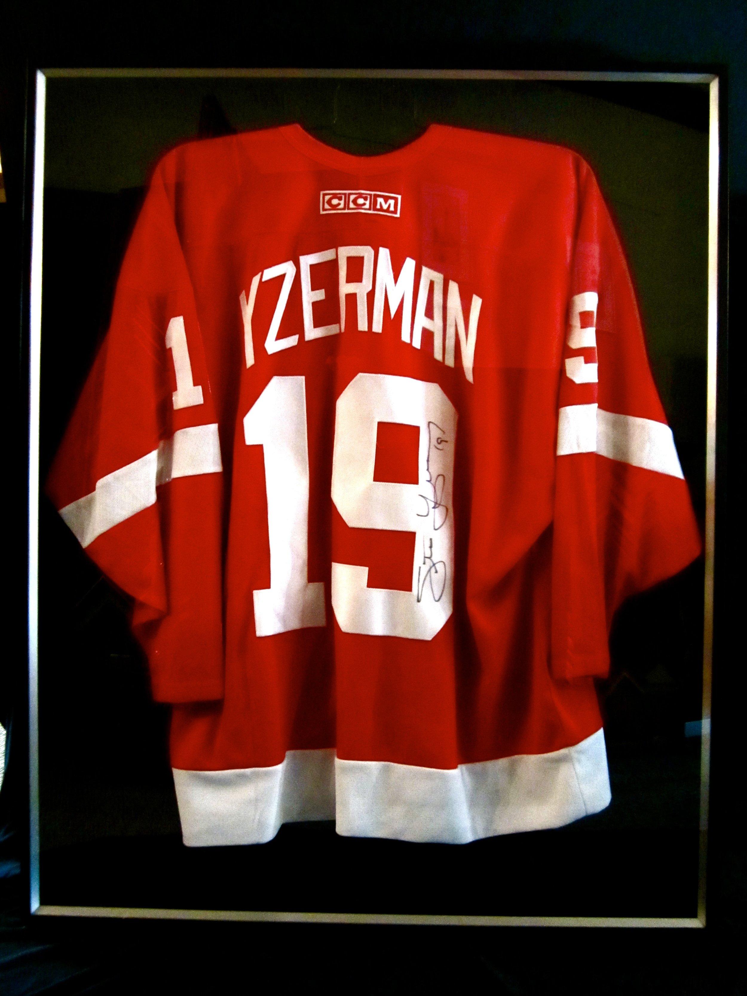 Yzerman Red Wings Jersey Shadow Box