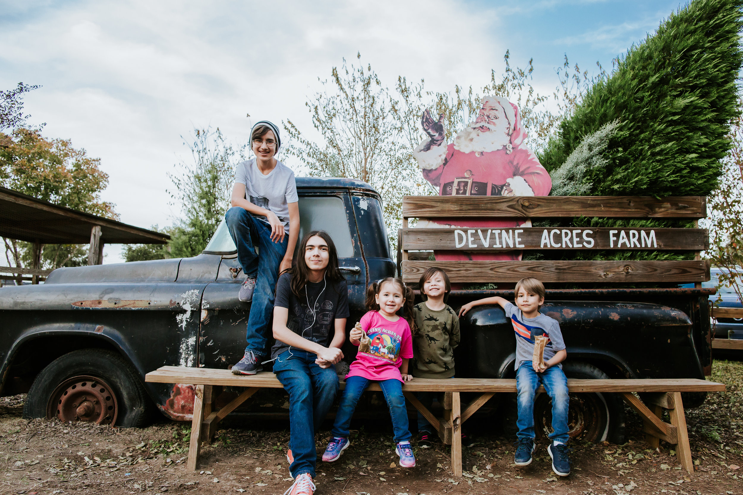 My kiddos at  Devine Acres Farm 2018. Devine, TX | Photo by: Norma Hess Photography rgvbirthphotography.com