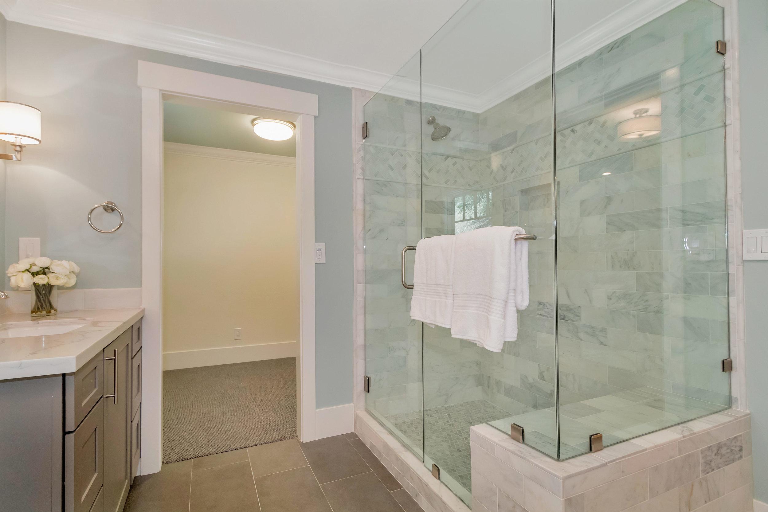 21 Cedar Ln Orinda CA 94563-print-030-13-Master Bath-4200x2800-300dpi.jpg