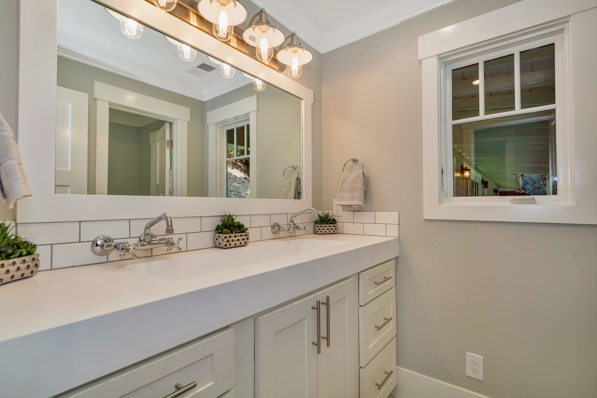 21 Cedar Ln Orinda CA 94563-print-033-12-Bathroom-4200x2800-300dpi.jpg