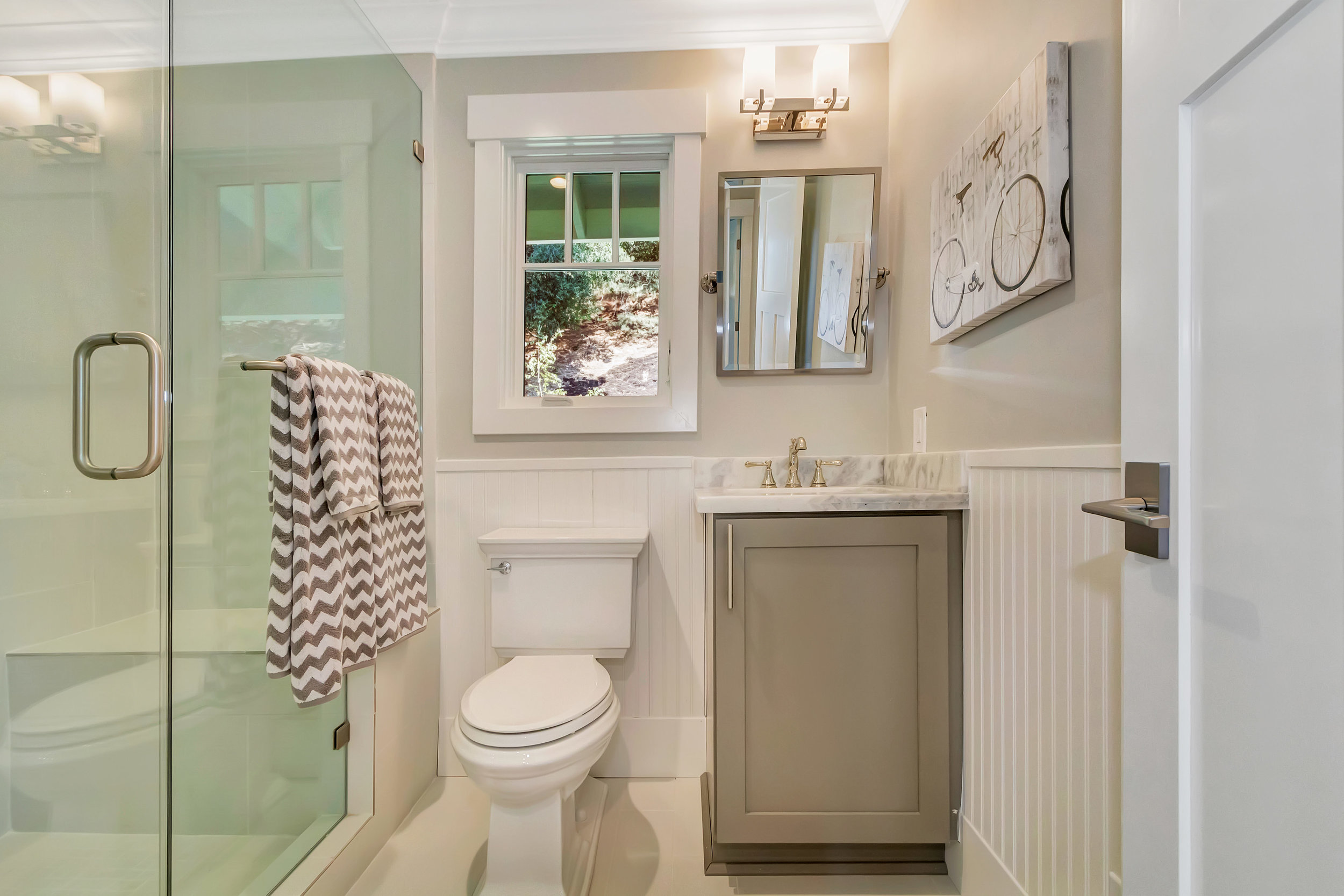 21 Cedar Ln Orinda CA 94563-print-036-42-Downstairs Bath-4200x2800-300dpi.jpg