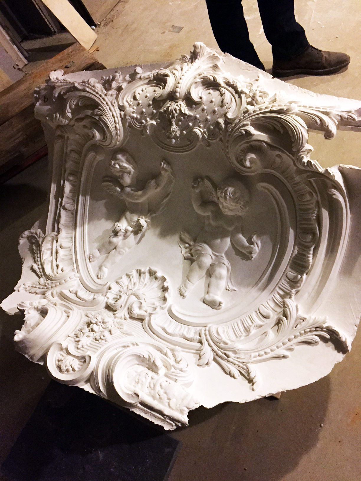 Boston_Plaster-Cartouche-at-Study-Celing-(1)-w.jpg