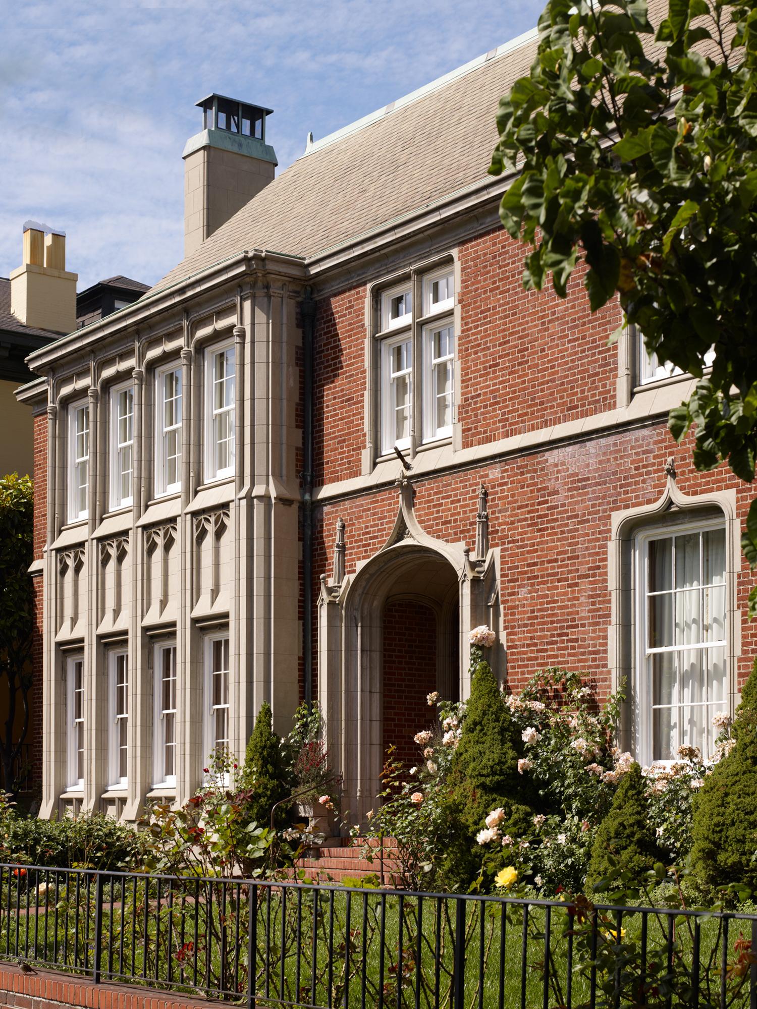 British-Consulate-4-w.jpg