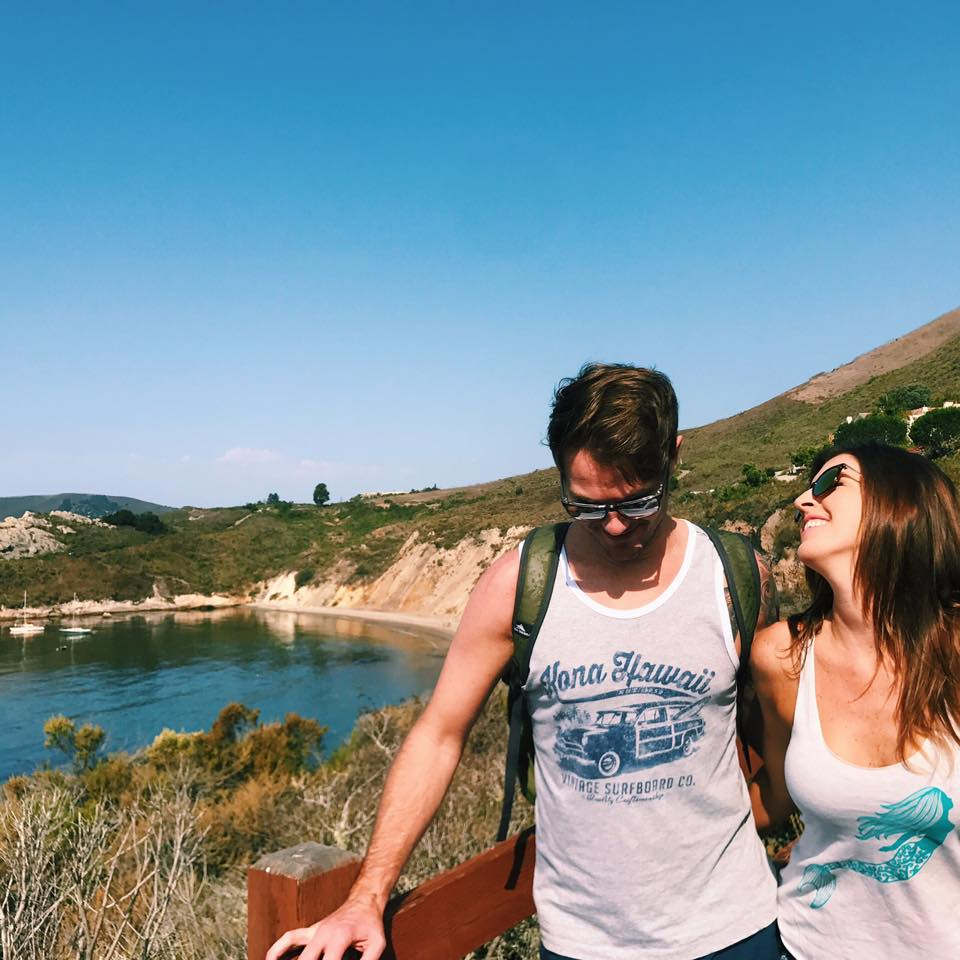 california-couple-traveling-live-high-vibe