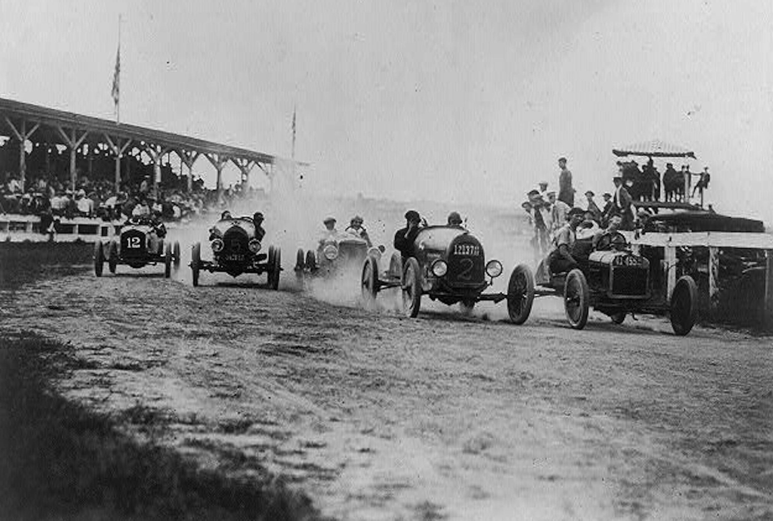 Most Delaware sports fans had never seen anything as exciting as early auto racing on the state's dirt tracks.