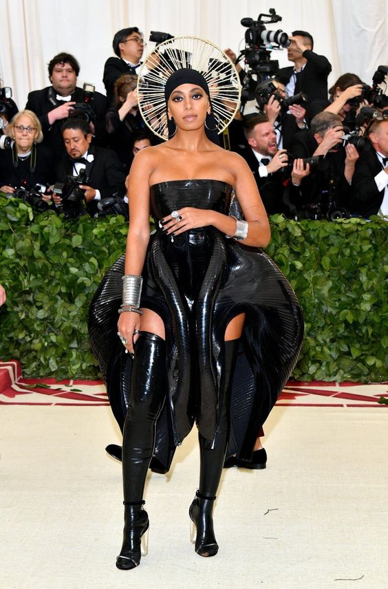 Solange's look was one of the most talked about looks of the night. I thought it was edgy and modern but I didn't love it.