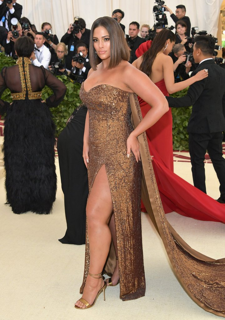 Ashley Graham went for the sexy look instead of following the theme. It is a nice look but underwhelming for the most part.