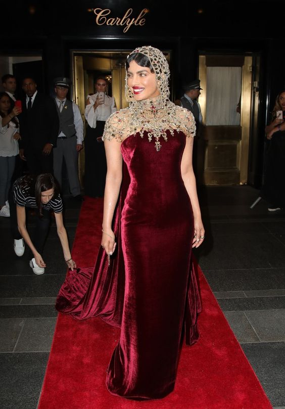 Priyanka Chopra looked absolutely stunning! I have no other words!