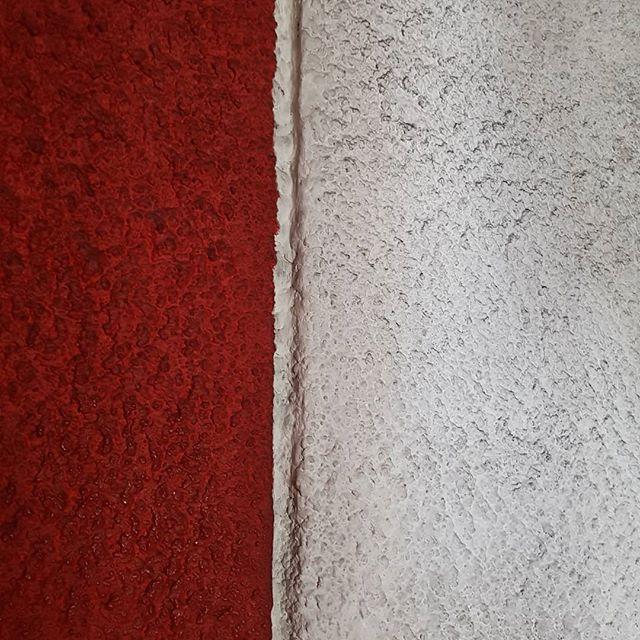 #notredameduhaut #lecorbusier #ronchamp #concrete #redandwhite #whiteandred