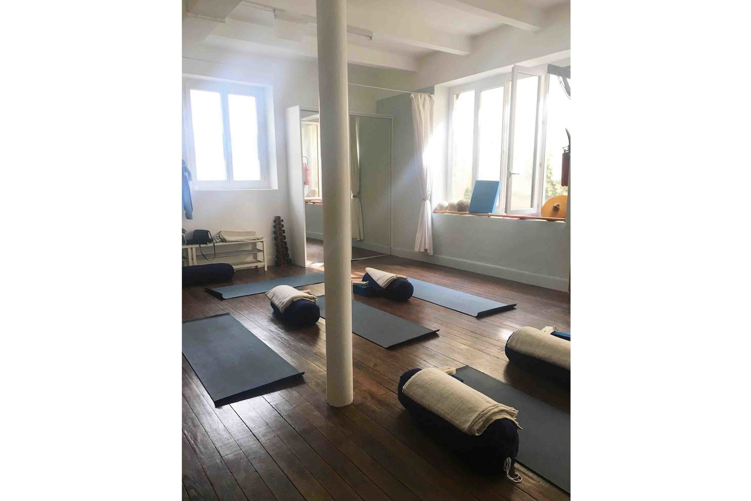 osteopathe-biarritz-salle-yoga.jpg