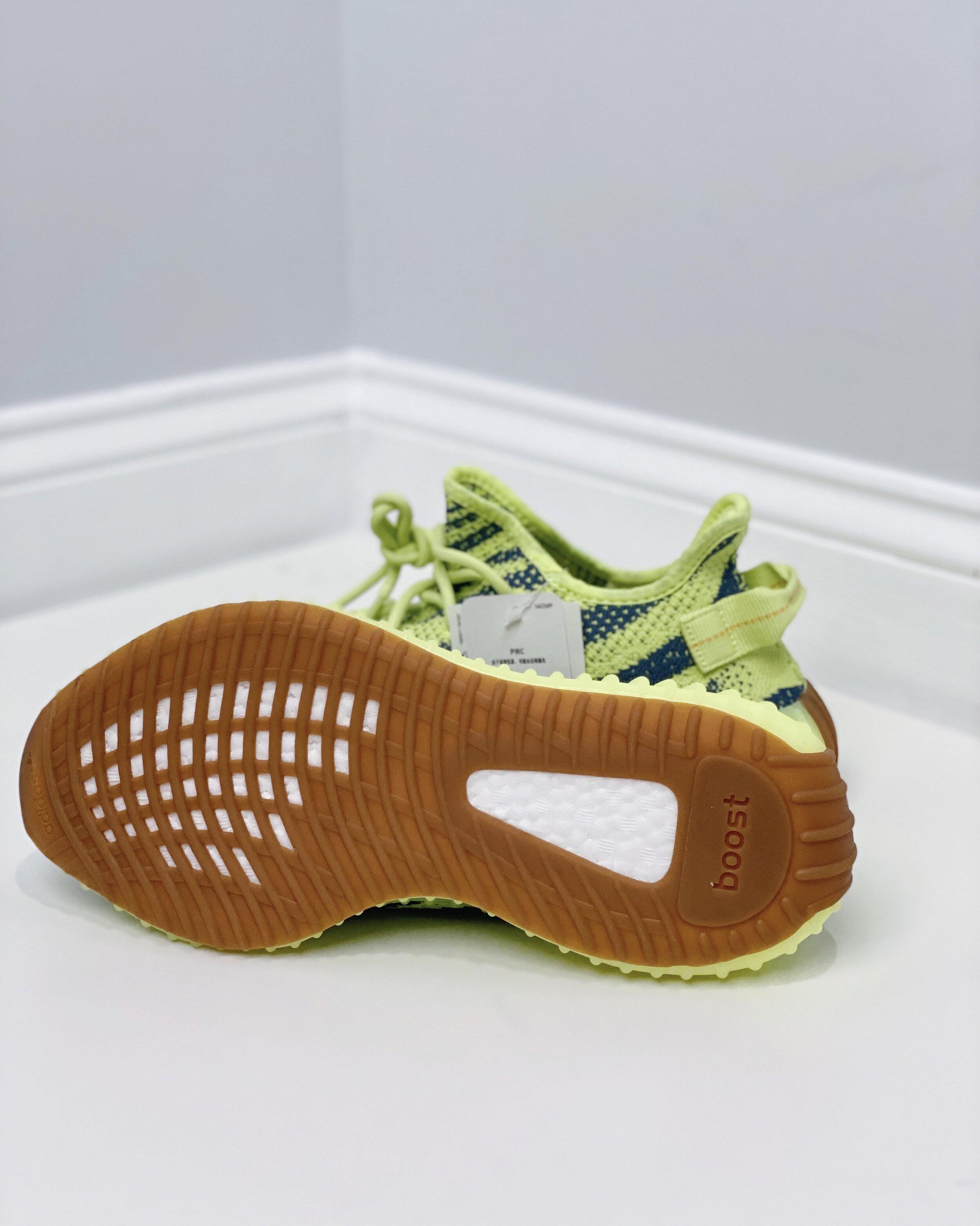 Yeezy Boost 350 V2 Semi Frozen Yellow adidas