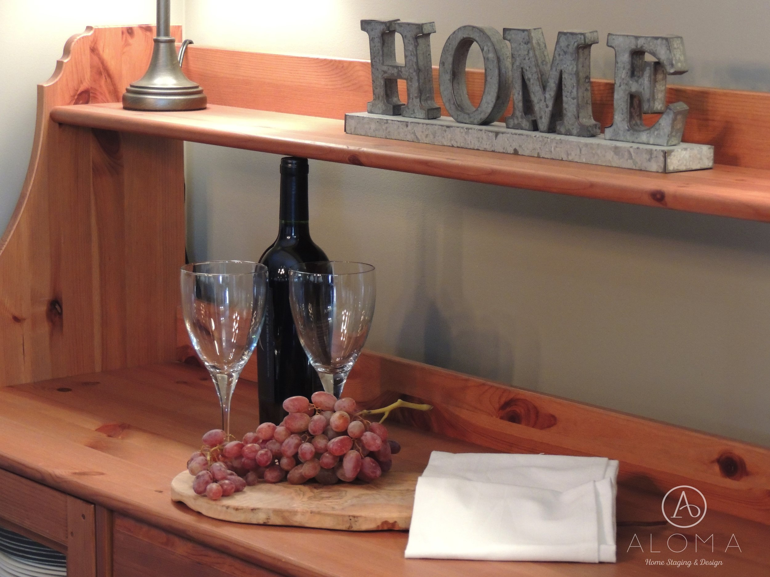 Wine glasses-Buffet by ALOMA Home Staging & Design