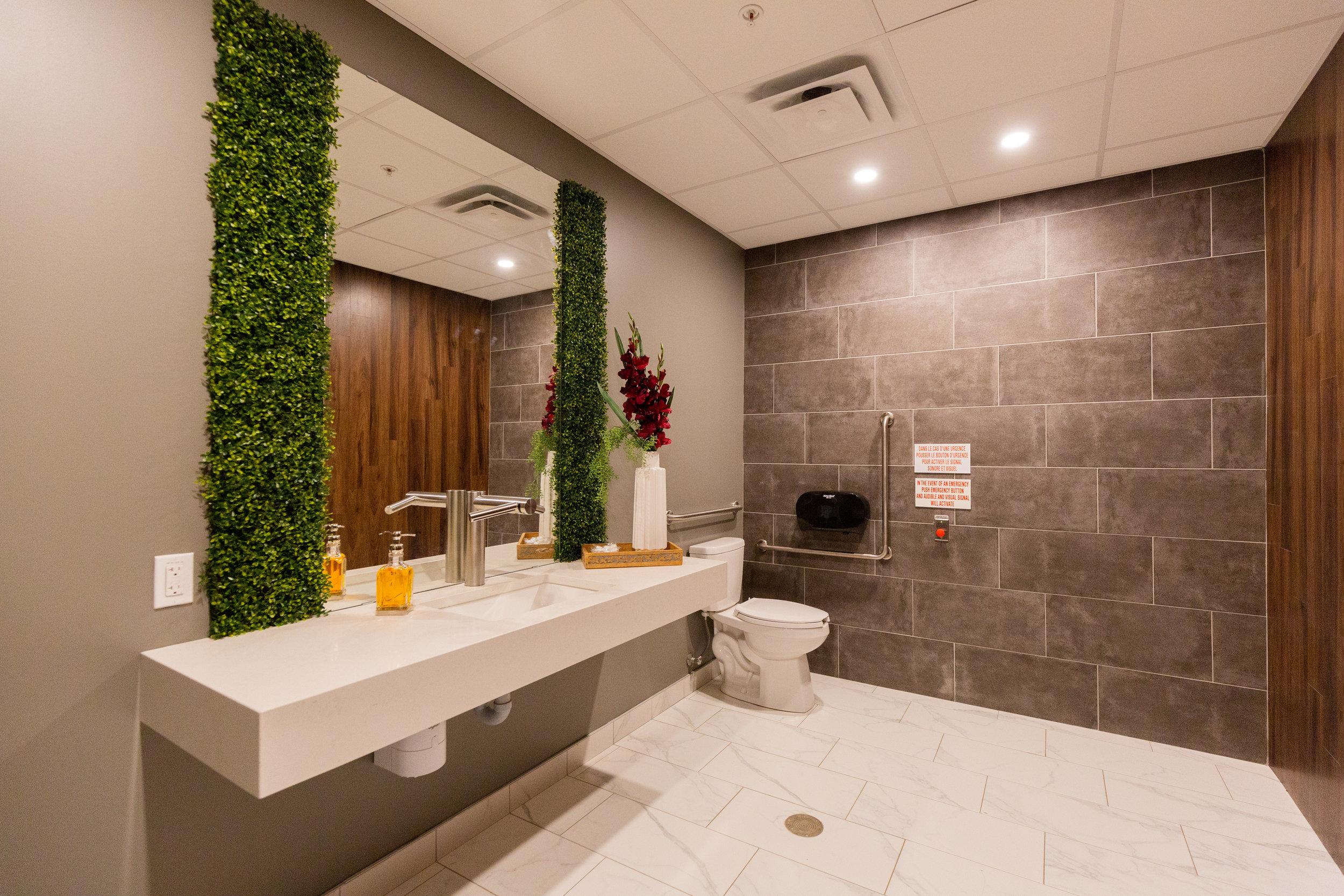 Restroom-Aquatria (ALOMA)