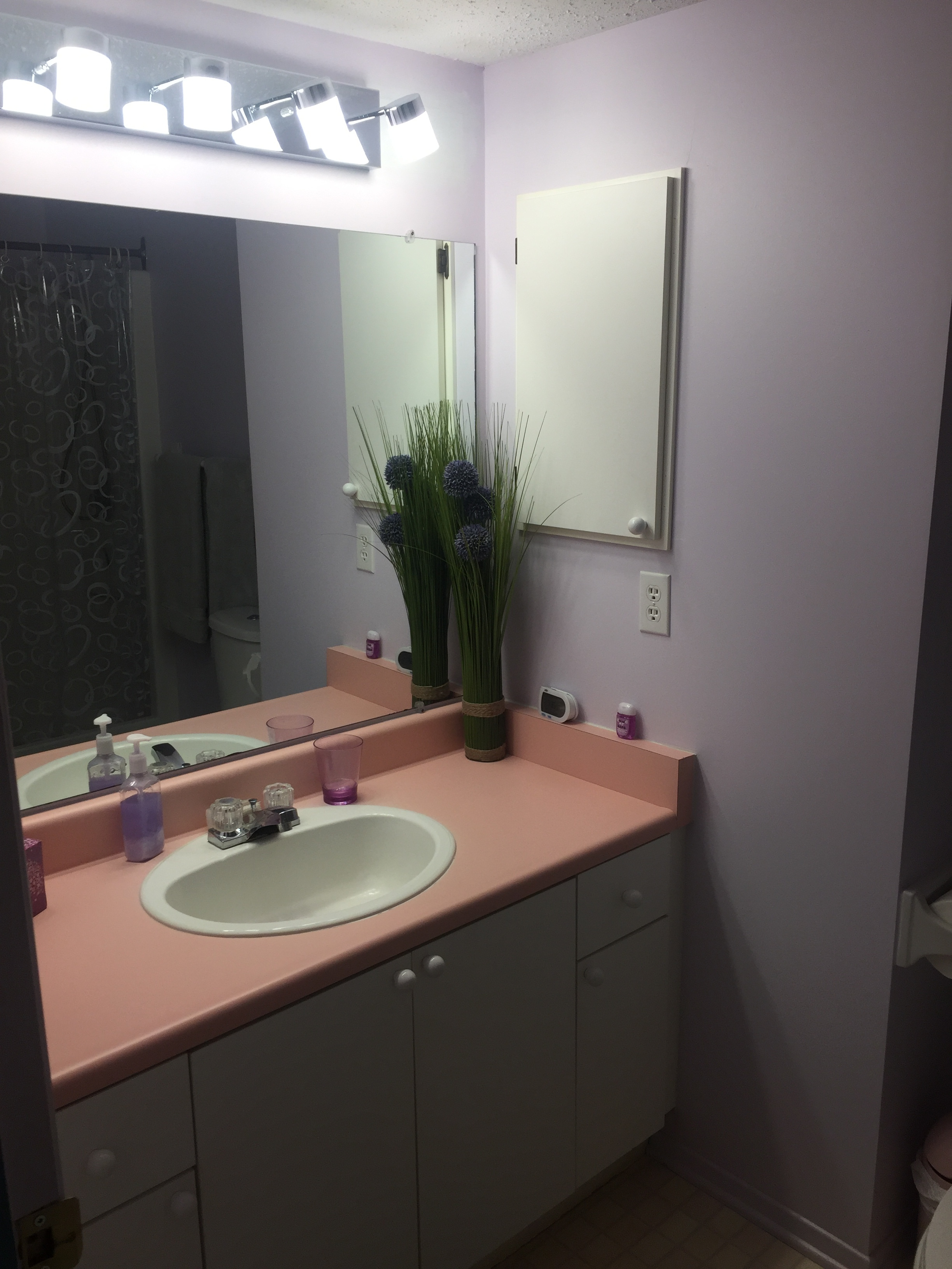 Before- Château Bathroom By ALOMA Home Staging & Design