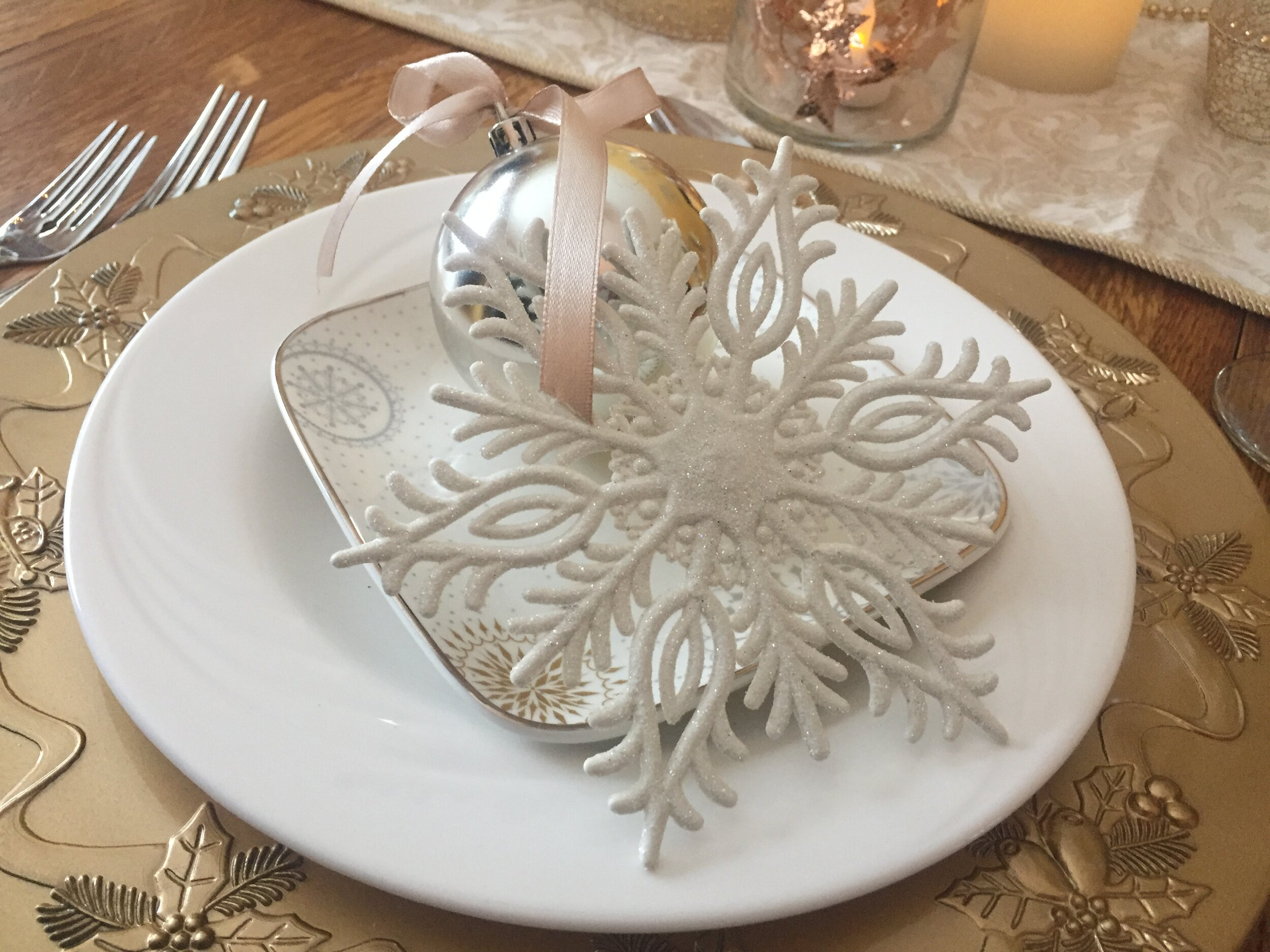 Snowflake Table Setting By ALOMA Home Staging & Design