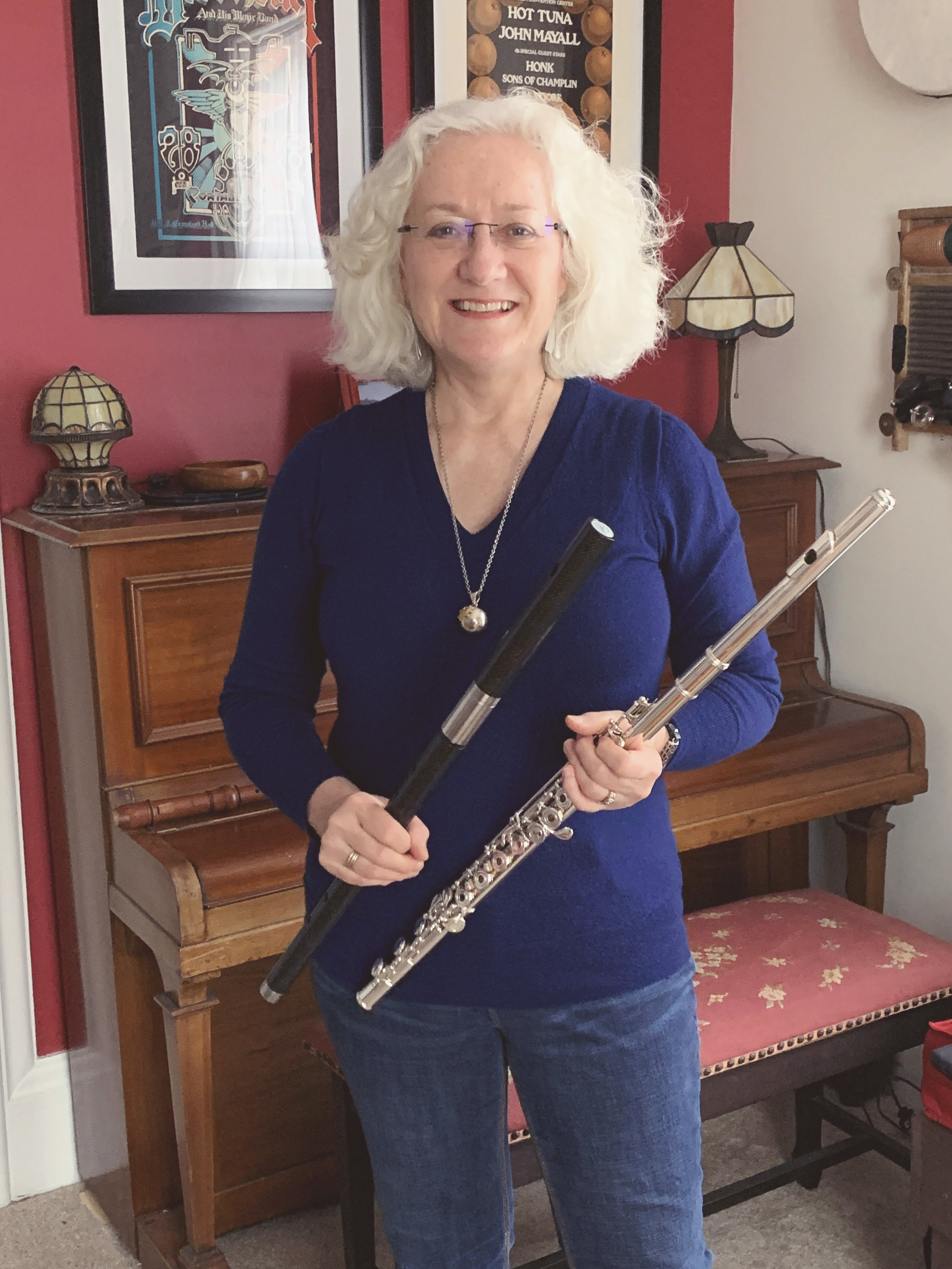 Tricia Snell Flute, Recorder, Whistle  Tricia grew up in a lively music-jamming family and has played in duos, ensembles, and orchestras; currently, she plays in a Celtic Session and sings soprano in a choir. An experienced teacher of all ages, she holds an ARCT in Flute Performance (Toronto Royal Conservatory) and is trained/certified in  Suzuki  (Flute & Recorder) and Music Together pedagogy.