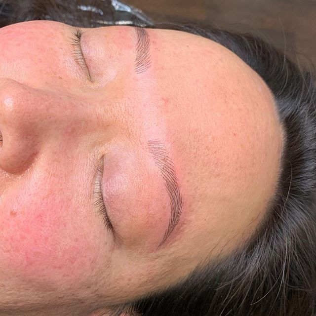 Nano brows - done with a one point needle . . . . . . . . #permanentmakeup #microblading #ombrebrows #combobrows #microshading #makeup #permablend #bayarea #fremont #sanjose #browsworldwide #archaddicts #brows #xions #nanobrows