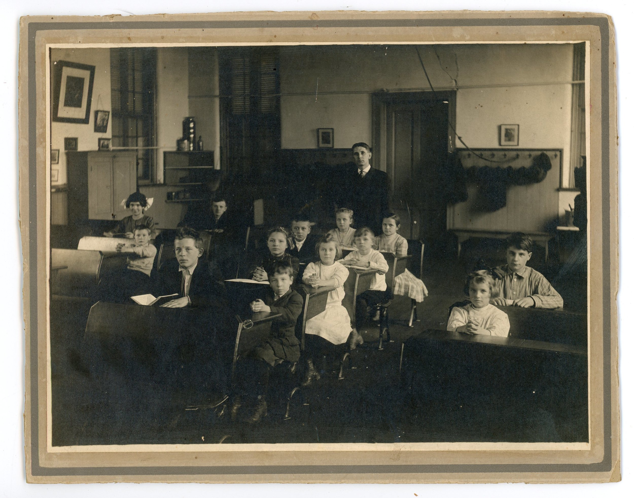 Teacher and students, date unknown.All rights reserved: Delhi Historical Society