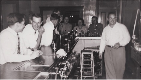 This time my Dad, Florian Klawitter is manning the bar, patrons unknown to me: