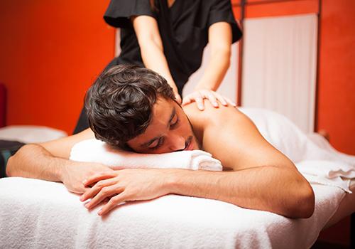 man enjoying a relaxing massage at bangkok day spa