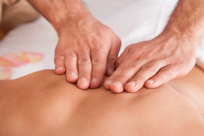 client receiving a shiatsu massage at bangkok day spa