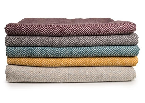 100% wool throw made from free-range sheep in Portugal