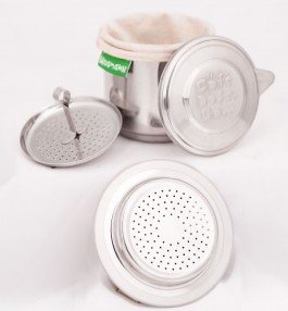 Strain your tea and get on the go with matching jars