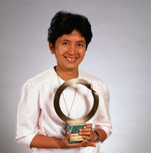 Deetes after being awarded the 1994 Goldman Prize for Asia (Goldman Environmental Prize)