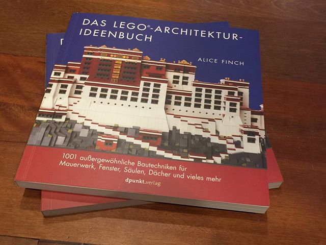 The LEGO Architecture Idea book now available in German!! #legoarchitectureideabook  #lego #afol #legoarchitecture #womensbrickinitiative #wafol