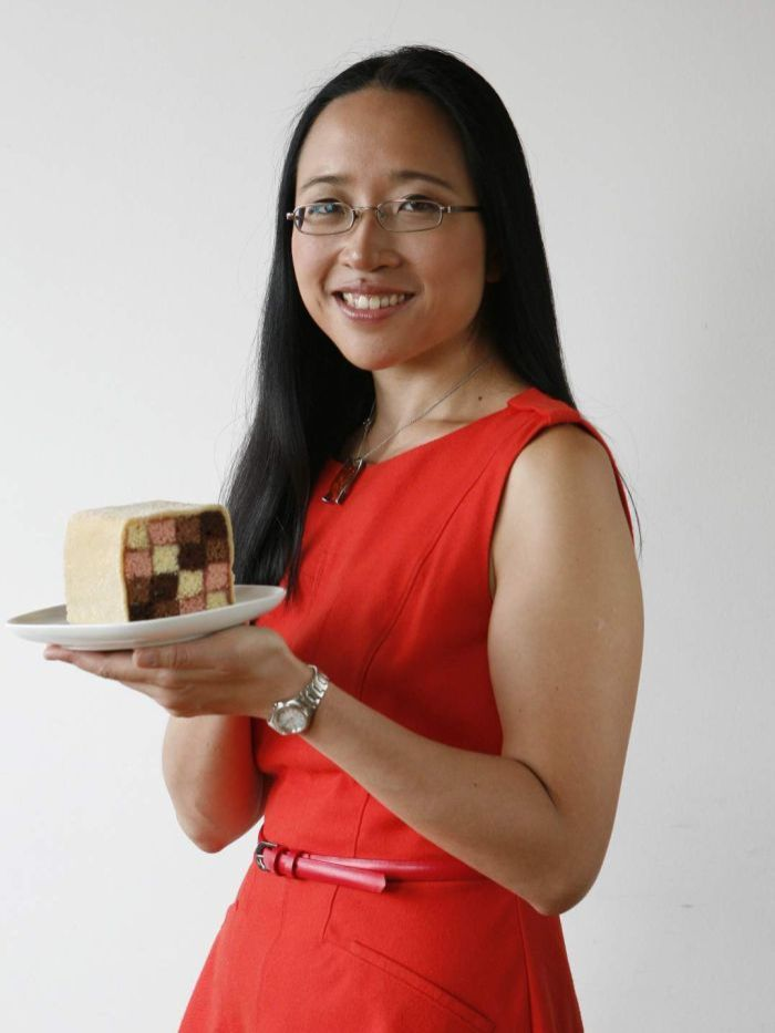 Not just a mathematician, Cheng is pianist, baker, and author. She teaches at the Art Institute of Chicago, teaching mathematics and mathematical thinking to undergraduate art students. She aims to cure fears of math by demonstrating that it can be fun with innovative teaching methods.
