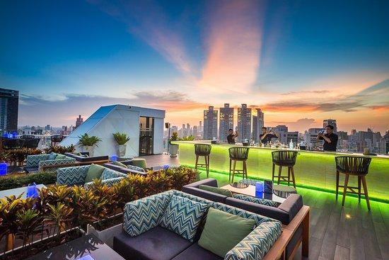 Bangkok • roof top bar (this is Vanilla Sky)