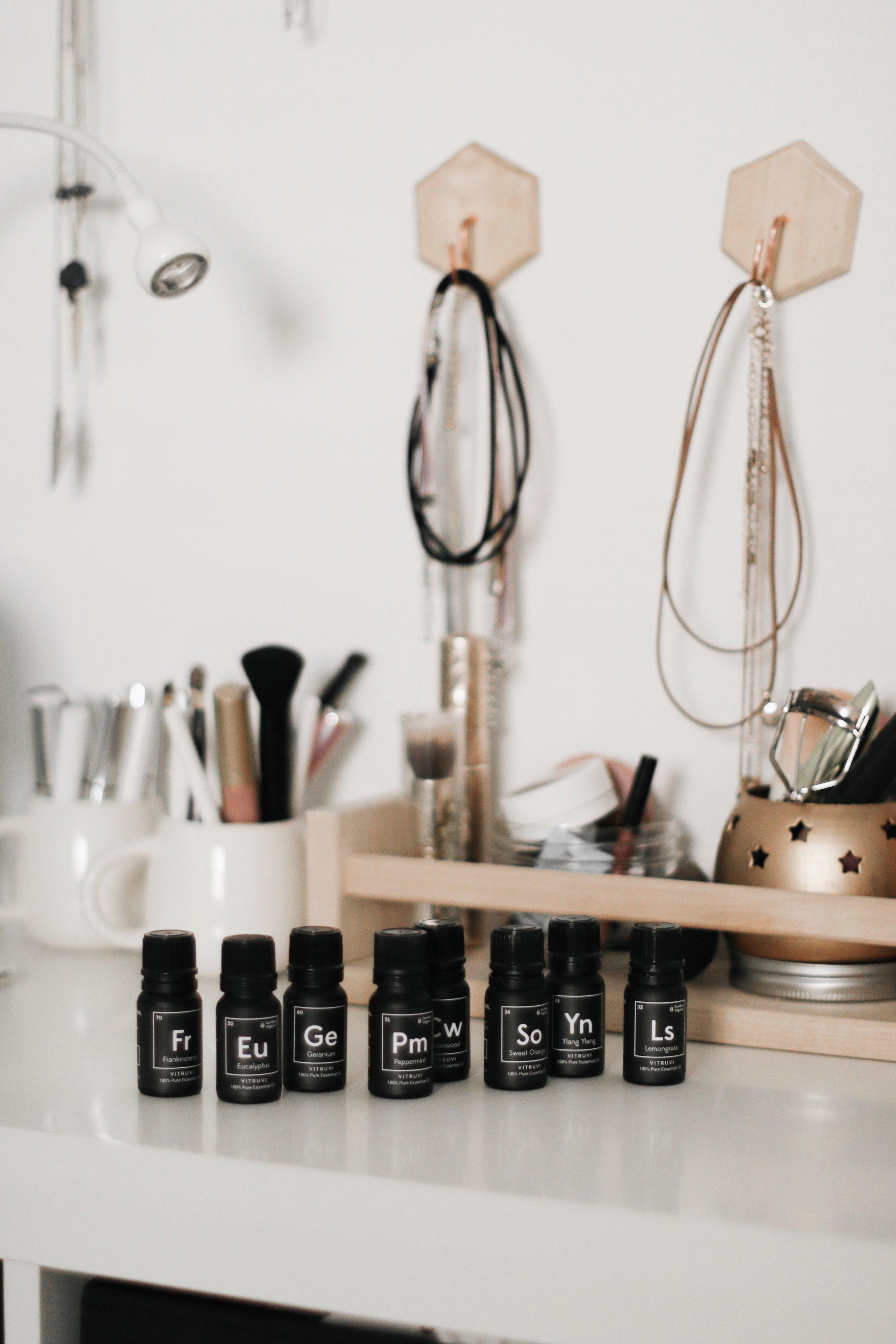 left to right:  frankincense ,  eucalyptus ,  geranium ,  peppermint ,  cedarwood ,  sweet orange ,  ylang ylang , &  lemongrass  oils