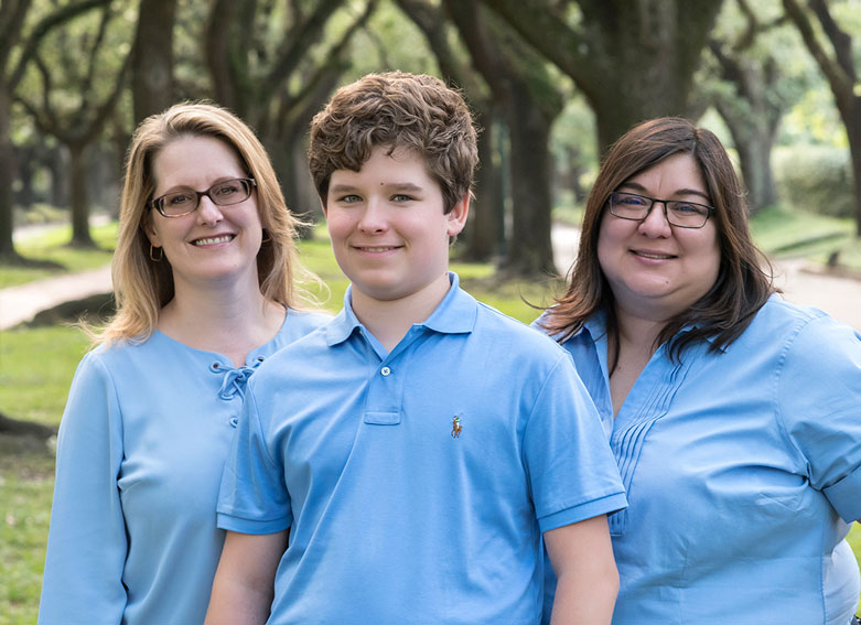 Casual-Family-Portrait-in-Blue-on-South-Blvd-Houston.jpg