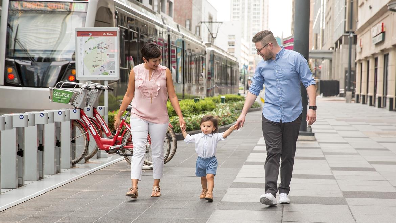 Downtown-Houston-Family-Photo-2.jpg