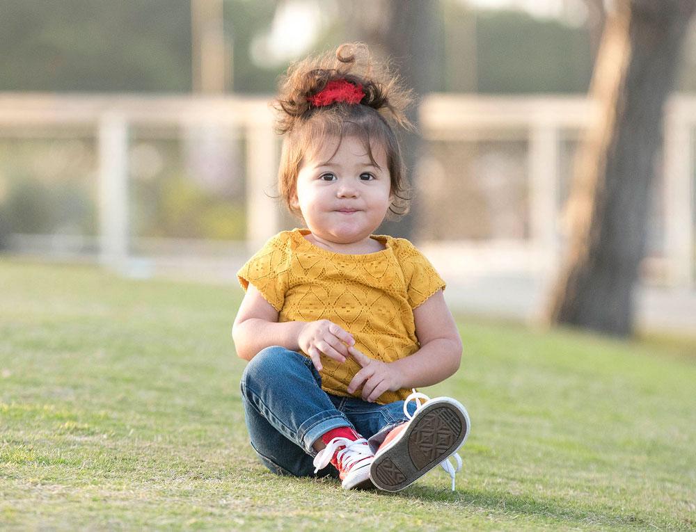 Childrens-Photos-Girl-Poses-Santa-Monica.jpg